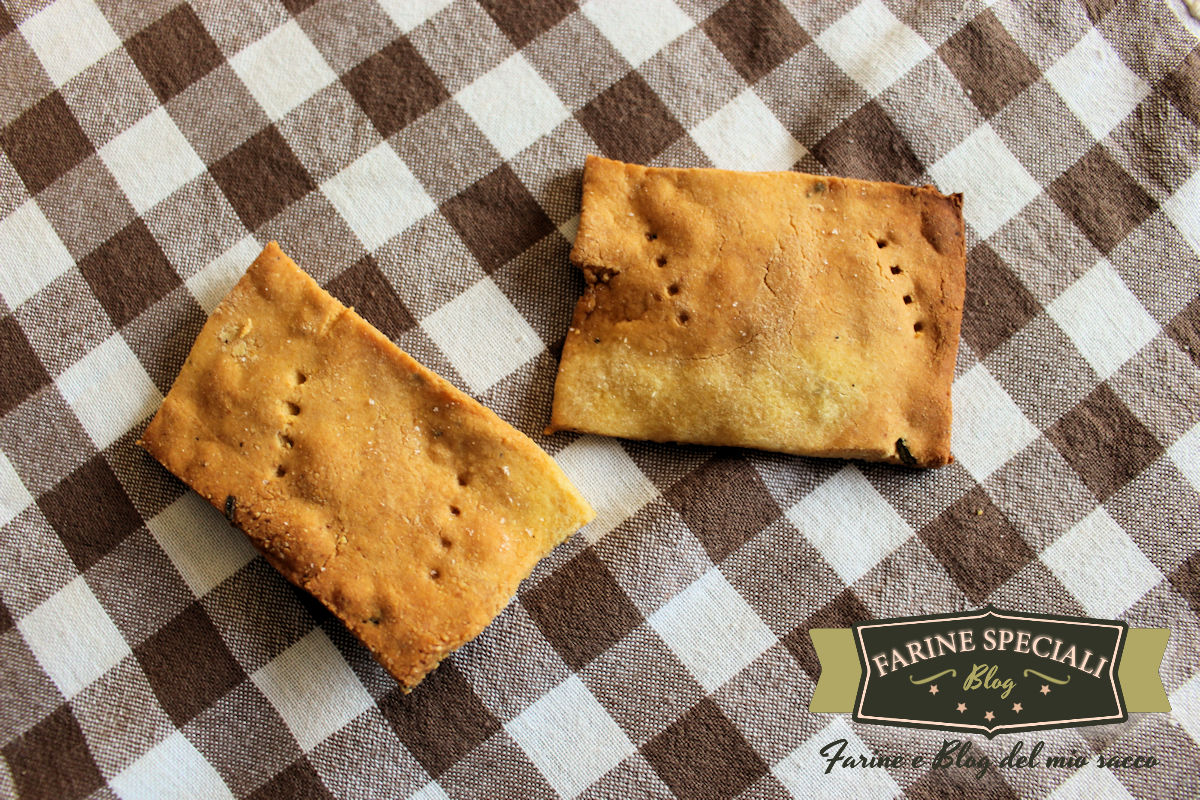Chickpea and corn crackers